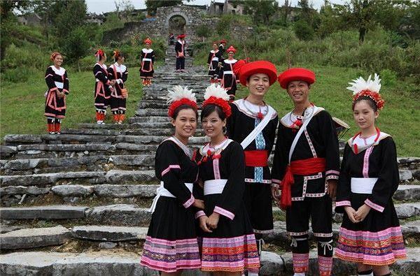 清远2天 | 英西峰林、南岗千年瑶寨,篝火晚会
